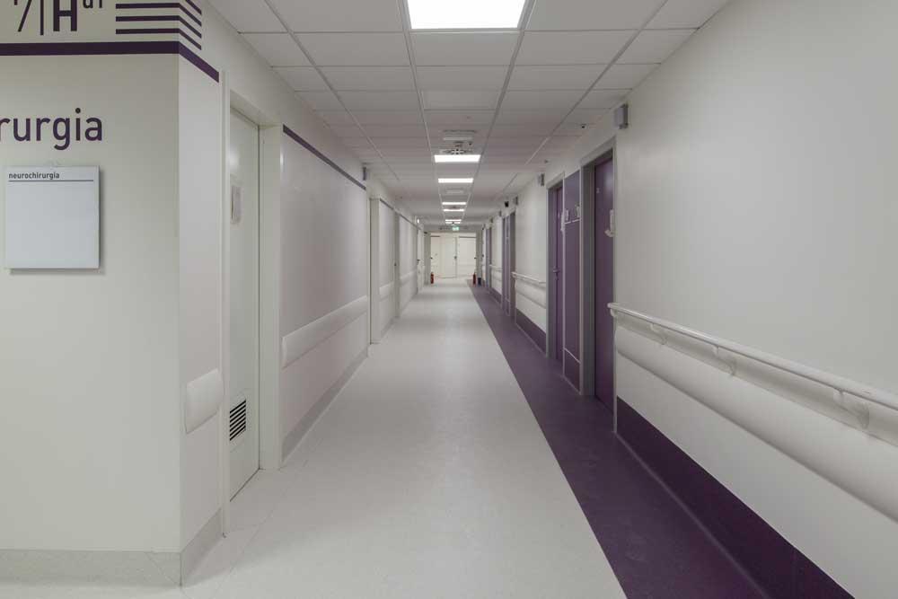 Ospedale del Mare Corridoio dopo